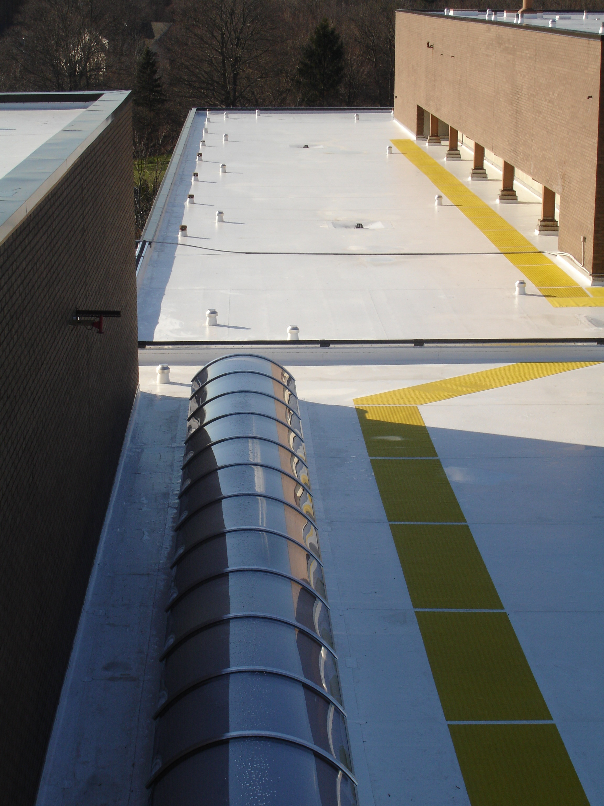 www.vanguardroofing.com walkpads eco freindly roof