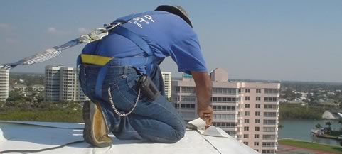 OSHA Certified Roofers, Commercial Roofers, Roof Safety, Worker Safety Program, low e-mod company